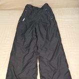 Продам в новом состоянии, фирменные Wedze,мембранные термо -штаны 6-8 лет.