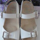 Кожаные сандалии Clarks р. 33 по стельке 21 см