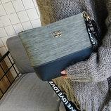 Милая двухцветная сумка клатч с бантиком Love