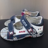 Босоножки, сандали J&G