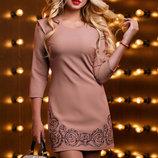 Красивое платье с вышивкой 926
