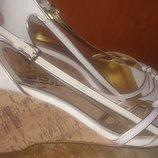 стильні білі босоніжки еко шкіра р39 Dorothy Perkins