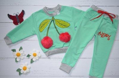 Красивый весенний костюм для девочки