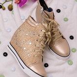 Завышенные ботинки на шнуровке в наличии новые 38-41 р