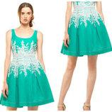 Платье c пышной юбкой сша 44-46, декорированное вышивкой в области талии