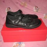Туфли Skittles Германия 33-34 размер по стельке 22 см. Кожаные.в идеальном состоянии. Легенькие