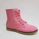Женские демисезонные ботинки в стиле Тимберленд на низком ходу шнуровке розовые