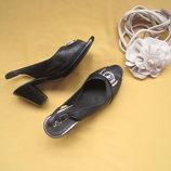 Кожаные качественные мягусенькие босоножки туфли,р.39,обуты 1 раз