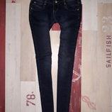 Стильные утепленные джинсы 26 размер