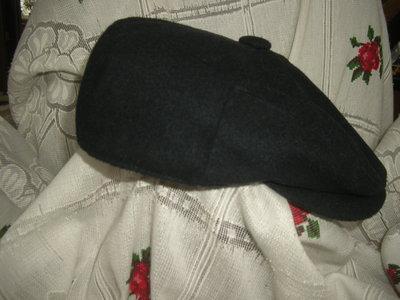 Супер кепка сочного черного цвета,58см.,100%шерсть.