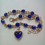 Красивый браслет с синими кристаллами