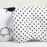 Подушка для новорожденных BabySoon Барашки и горошек 22 х 26 см 161
