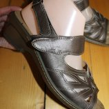 40 разм. Очень удобные босоножки на любую полноту ножки. Кожа Длина по внутренней стельке - 26,5 см