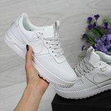 Кроссовки женские Nike Lunar Force LF-1 white