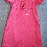 красное платье 122,128 см.