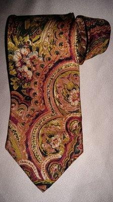 Стильный шелковый галстук.Швейцария
