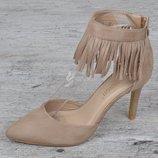 Туфли лодочки женские бежевые на каблуке с бахромой Lady S