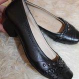 36 разм. Стильные туфли Caprice walking on air. Кожа снаружи и внутри. 23,5 см. стелька Длина по в