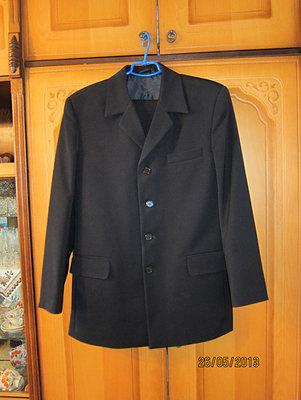 Продам костюм чёрный мужской