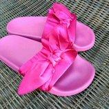 Распродажа Тапки тапочки с бантами шлепанцы шлепки босоножки банты под Puma Fenty розовые малиновые