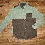 Rebel рубашка на 8-9 лет , 100% котон длина 54, ширина 37, плечи 32 длина рукава от плеча 47 см пле