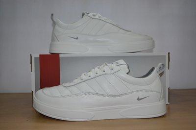 Кожаные мужские кроссовки Nike белые.