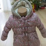 Теплая,яркая в цветочный принт куртка george 18-24мес