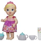 Baby Alive Кукла пупс чаепитие блондинка Lil' Sips Baby Has a Tea Party Doll Blonde