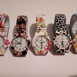 Наручные часы Xwei, Яркие часики - браслет с цветочным принтом