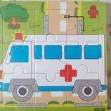 Нова дерев'яна іграшка- пазл швидка допомога для найменших діток