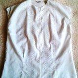 Белая батистовая нарядная стильная блуза перфорация .Германия.