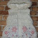 жилеткуа теплая с капюшоном 2-3года Dunnes Stores большой выбор одежды 1-16лет
