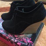 замшевые туфли ботильйоны