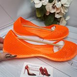 Оранжевын яркие резиновые балетки