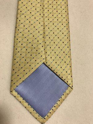 Огромный выбор стильных галстуков.
