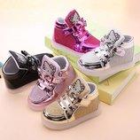 Гламурные кроссовки для девочек Hello Kitty подсветка
