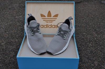 Кроссовки Adidas NMD R1 Gray