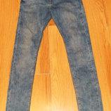 Стильные зауженные джинсы Pull & Bear для подростка 16-18 лет, размер 44