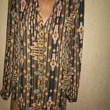 Хорошенькая блуза H&M р-р4