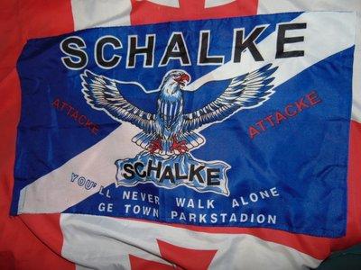 Флаг футбольний фирменний ф.к Шальке .