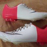 Кожаные фирменные бутсы копочки Nike Mercurial р.35-21.5см.