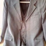 Элегантный мужской легкий костюм тройка, 48-50.