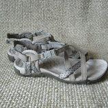 Босоніжки сандалі нові оригінал шкіра Merrell Terran Lattice II J02766 розмір 36