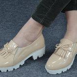 Шикарные Туфли Беж-Лак На Белой Платформе Польша
