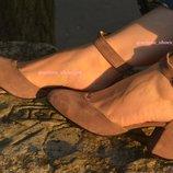Босоножки из натуральной кожи на толстом каблуке Новинка Производитель Украина