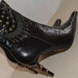 Стильные ботиночки, каблук декорирован розой