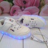 LED -кроссовки с подзарядкой от USB