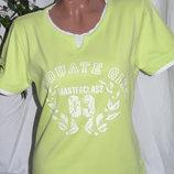 Очень красивая яркая футболка - L - XL