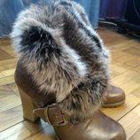 Ботинки зимние р. 37 можно на 36-36,5 бежевые,кожа натуральная