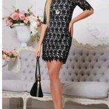 Платье мини черное с кружевом